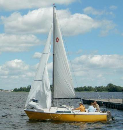 Lufthansa Sportverein Köln e.V. - Sparte Segeln - Boot-Bild2 klein